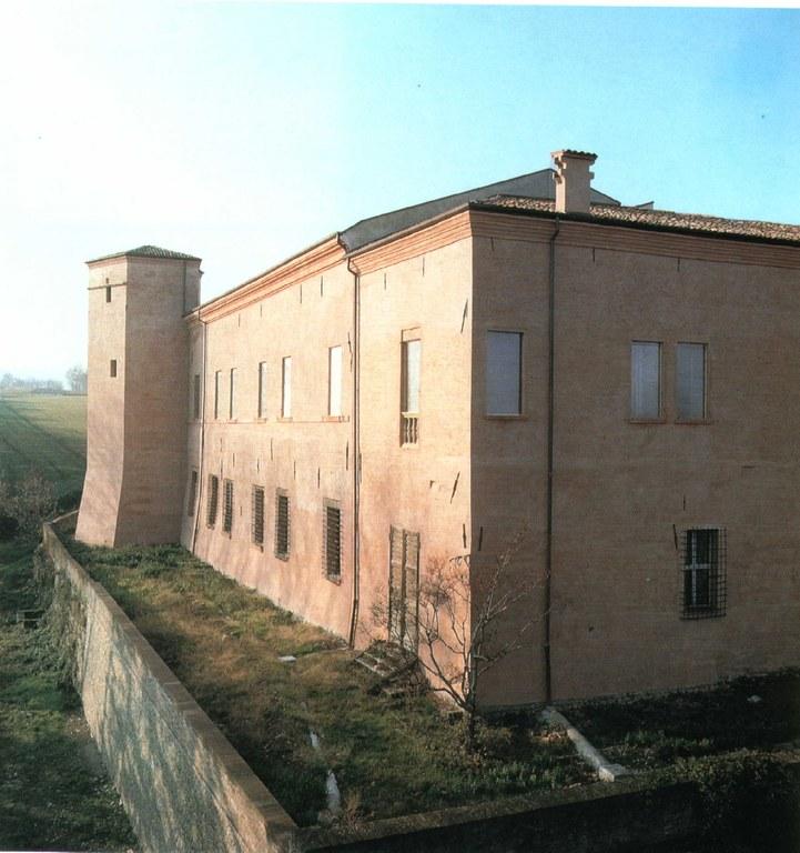 Castello di Spezzano - Fronti estnord - 2000_ Zagaglia.jpg