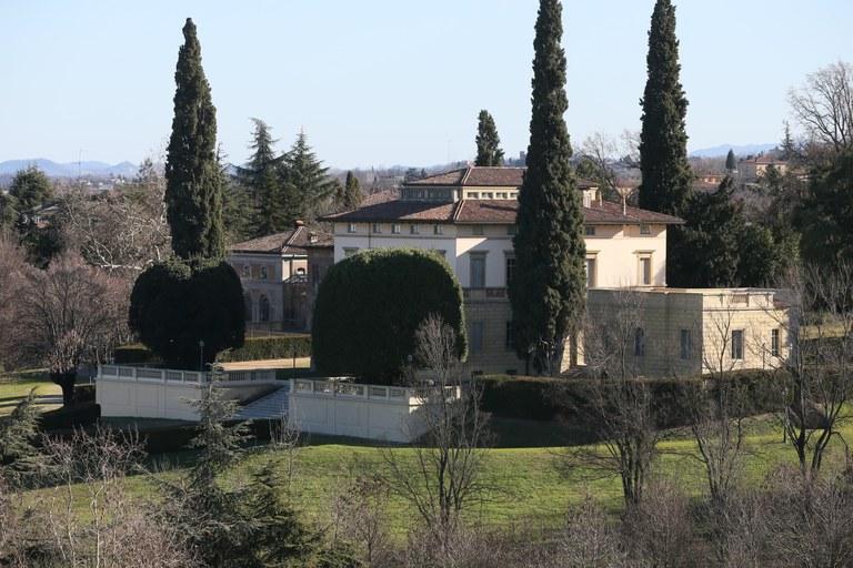 parco Villa Guastalla dal santuario.JPG