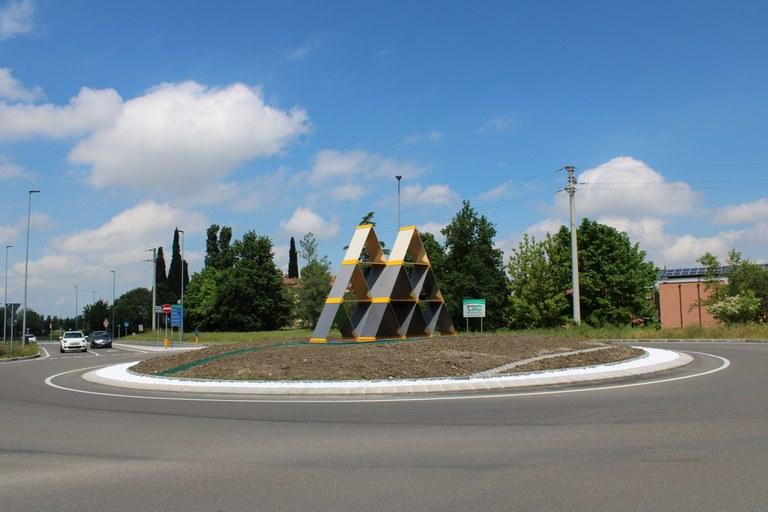 rotatoria Castello carte.jpg