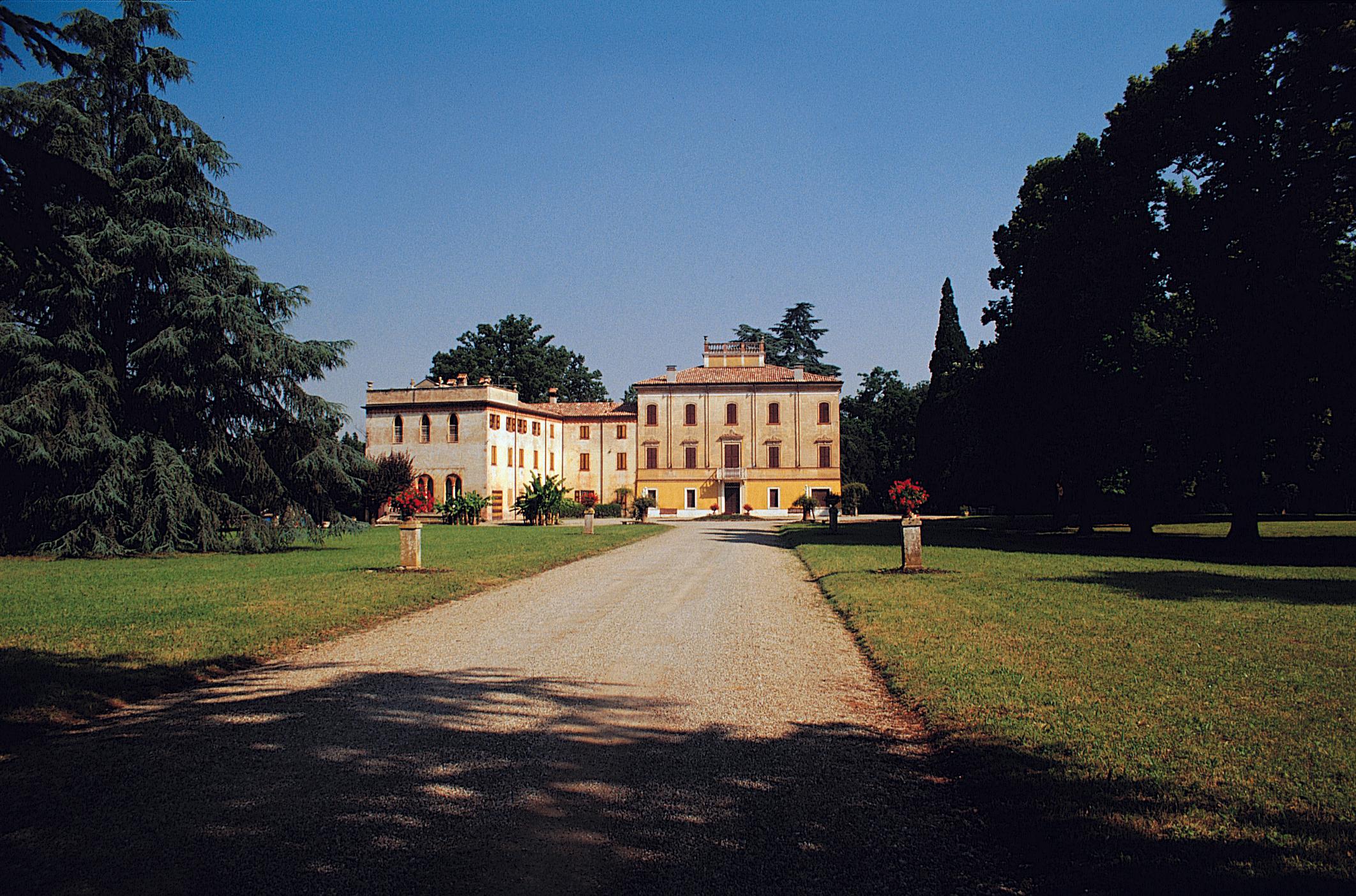 villa Camporijpeg.jpeg